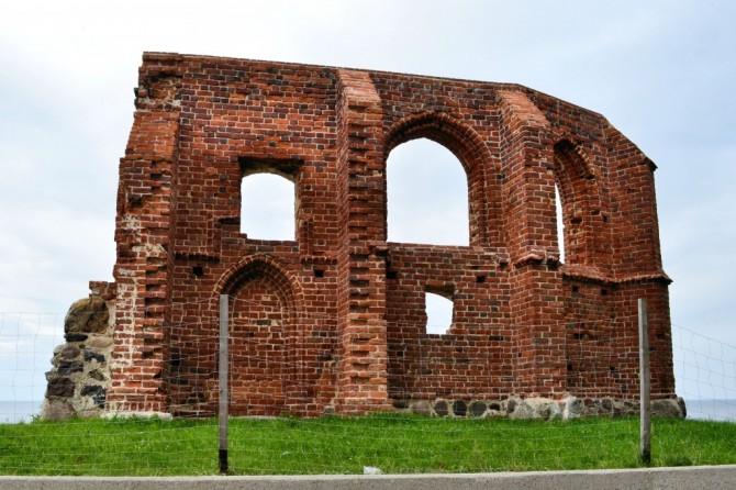 Trzęsacz Ruiny gotyckiego kościoła