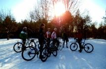 Zgrupka Luboń MTB po śniegu na Dziewiczą Górę